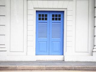 door-3210715_640